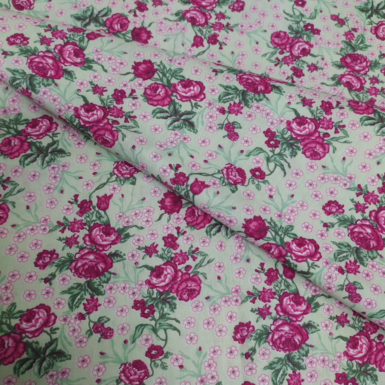 Tricoline Floral e Rosas 10 metros